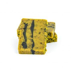 Mydło naturalne KAROTKA ZMIODEM IOLEJEM MIGDAŁOWYM – Miodowa Mydlarnia – 95 g