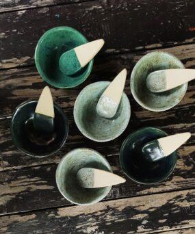 Ceramiczna MISECZKA ZESZPATUŁKĄ domaseczek sypkich lub nabiżuterię