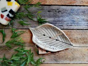 Mydelniczka ceramiczna, ręcznie wykonana LIŚĆ JABŁONI