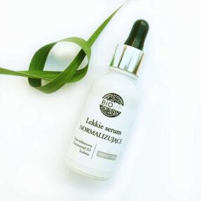 Lekkie serum normalizujące PERFECT DAY zniacynamidem – Bioup – 30 ml
