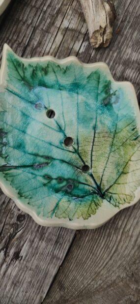 Mydelniczka ceramiczna, ręcznie wykonana LIŚĆ