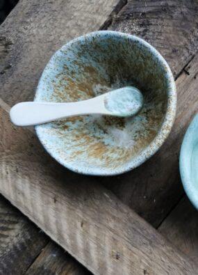 Miseczka ceramiczna zeszpatułką domaseczek sypkich lub nabiżuterię MORSKA POZŁACANA